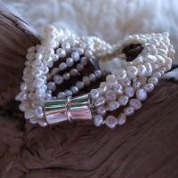 Armband feine Perlen geknüpft - 8fach - mit Magnetverschluss CHF 95.00